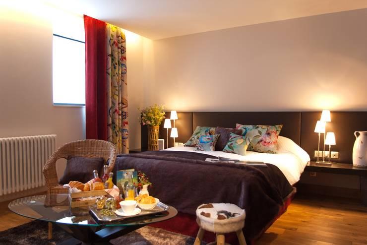Chambres d'hôtes: Hôtels de style  par atelier alexandre chatelard