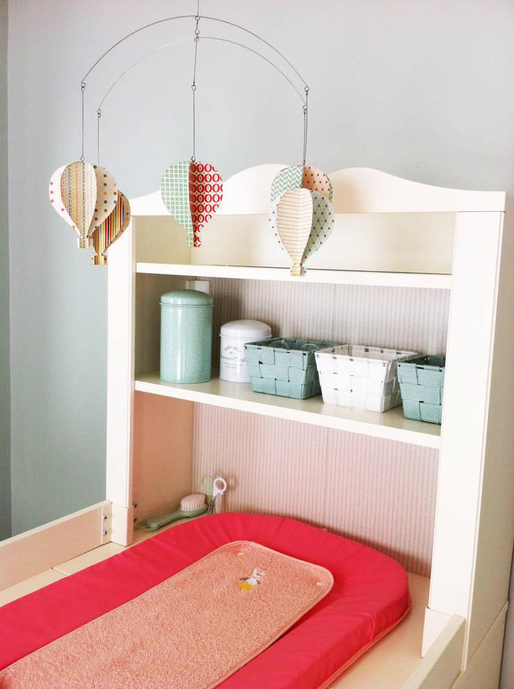 Table à langer: Chambre d'enfant de style  par Judith Wolff Architecte d'intérieur
