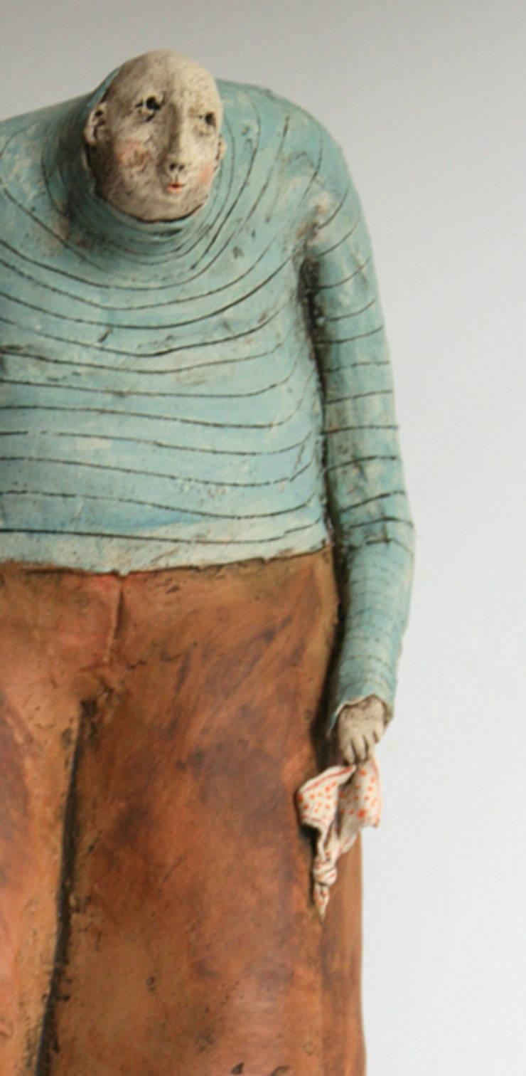 il fait chaque jour un noeud à son mouchoir pour ne pas l'oublier: Art de style  par ATELIER TERRE DE LUNE