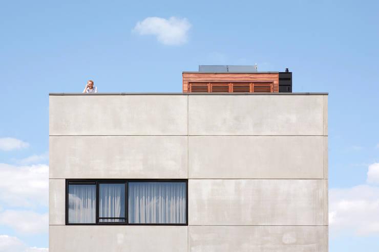 Villa Nieuw Oosteinde:  Huizen door Engel Architecten