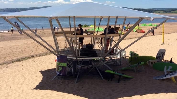 Poda on the beach:  Garden  by The Poda Company (UK) Limited