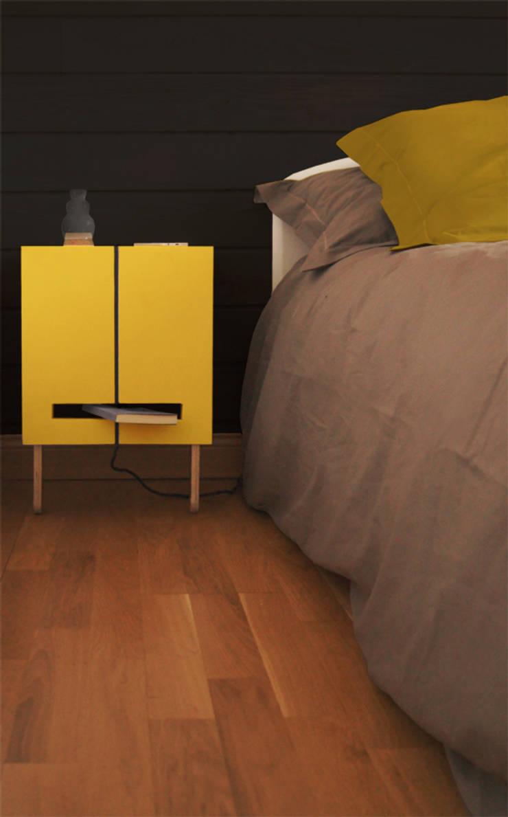 Bedside Story: Chambre de style  par Mathilde Defond