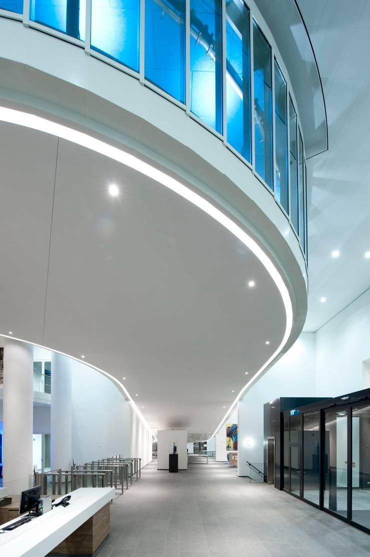 maastoren:  Kantoorgebouwen door Dam & Partners Architecten