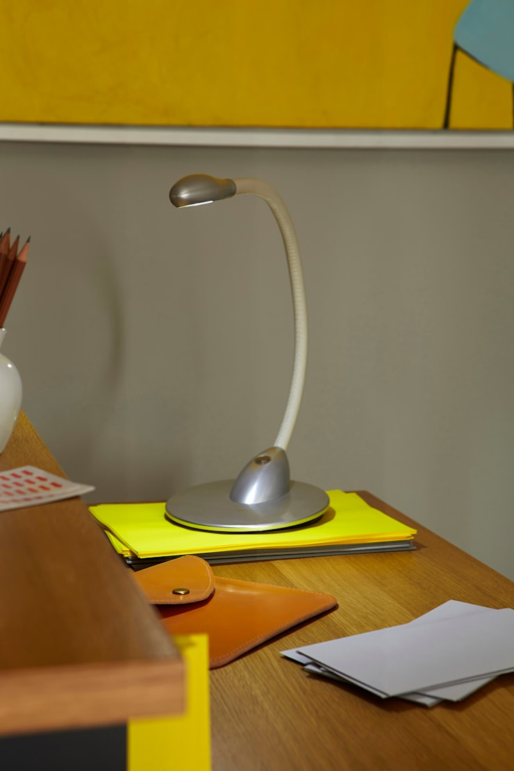 Cirrus Table Light:  Study/office by Beadlight Collections