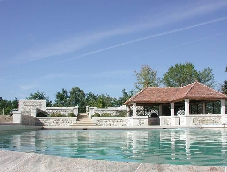 Dordogne: Jardin de style de style Classique par Lonca