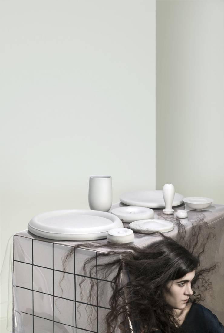 Haft Sin collection Light Gray:   door Hozan Zangana studio, Minimalistisch