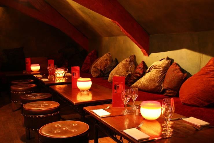 BARRIO LATINO: Restaurants de style  par PEDRO MIGUEL