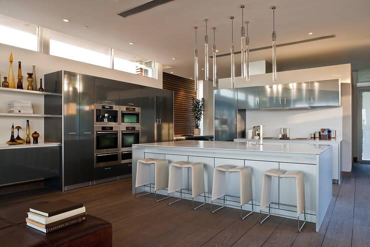 Casas modernas por McClean Design