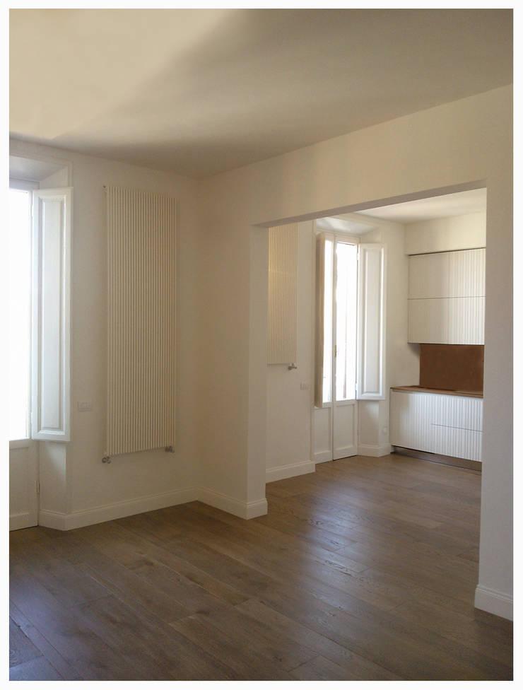 casa Di Donato: Cucina in stile  di architetto alessandro condorelli