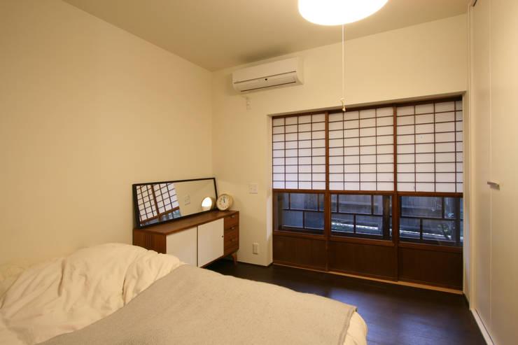 寝室: 一級建築士事務所expoが手掛けた家です。