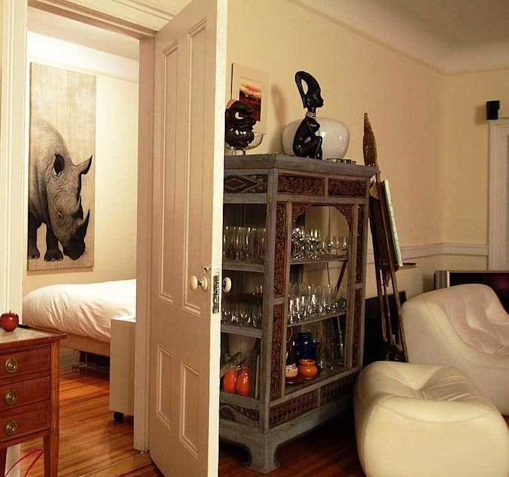 Homes In-situ animal paintings by Thierry Bisch: Chambre de style  par Thierry Bisch - Peintre animalier  - Animal Painter