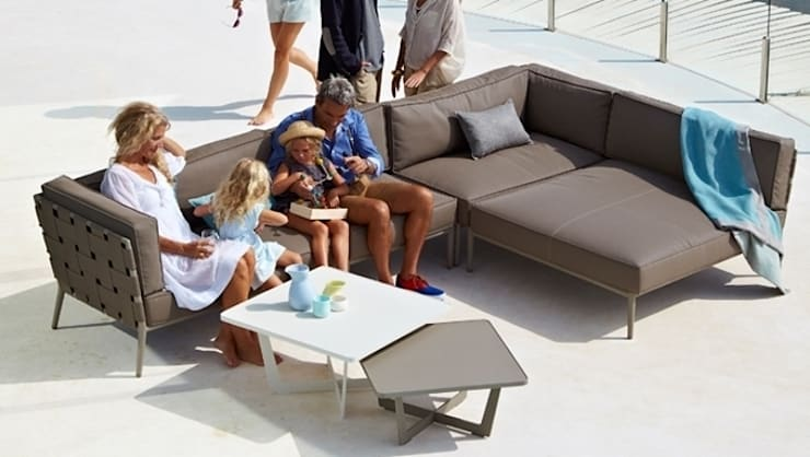 Sofa Conic: Jardín de estilo  de  Alaire