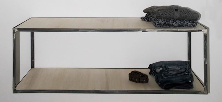 IW1114 serie – mensola e appenderia modulari : Camera da letto in stile  di cristina leone architetto