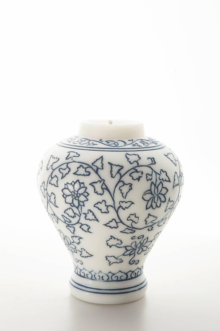 백자청화보상당초문항아리 향초: 비비스토리의 아시아틱 ,한옥