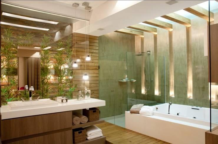Casas de banho  por Cristine V. Angelo Boing e Fernanda Carlin da Silva