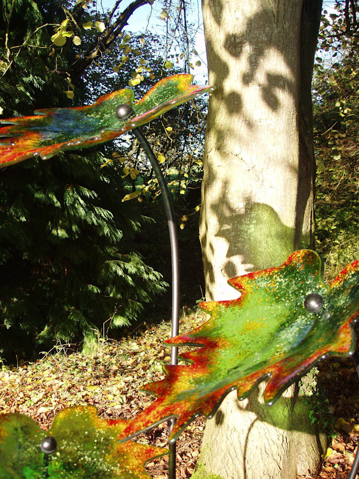 Autumn Leaves:  Garden  by Glass designs UK