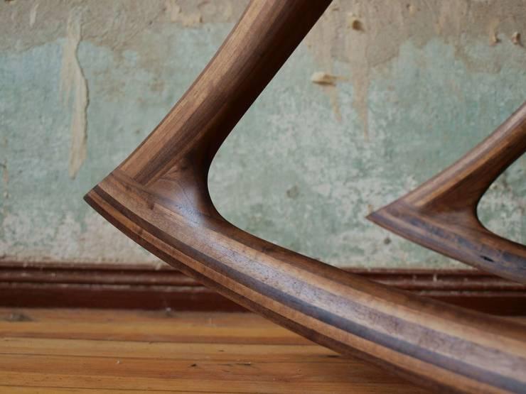 Schaukelstuhl LINNé: modern  von Holzarbeiten André Findeisen,Modern