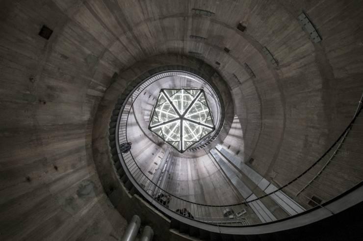 BULK Project, Icosaedro:  in stile  di Architetto Leonardo Biagi, Minimalista
