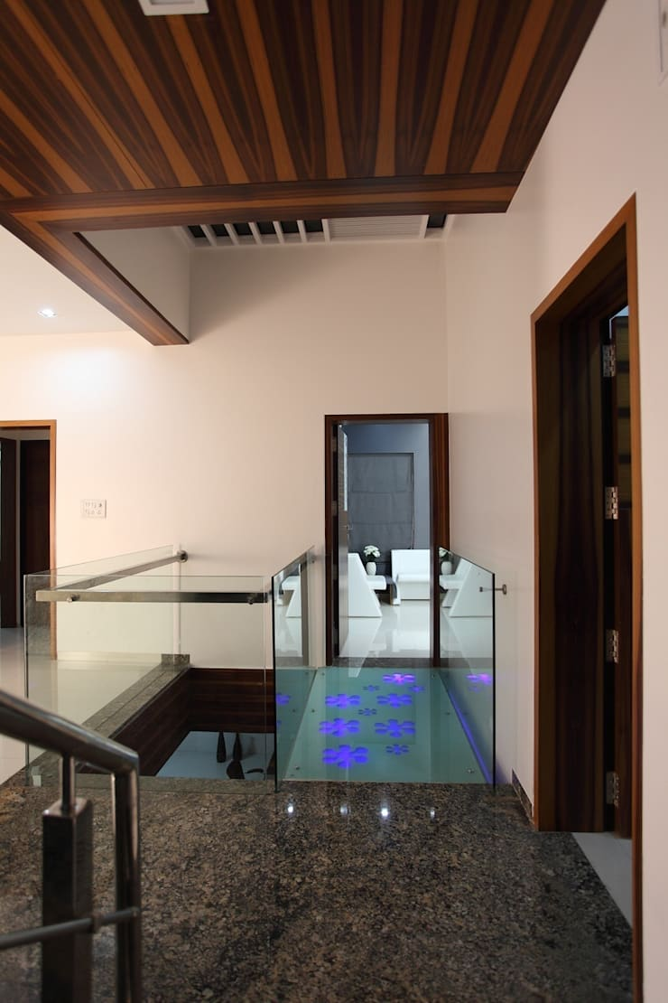 sheetal chayya residence:  Houses by manoj bhandari architects