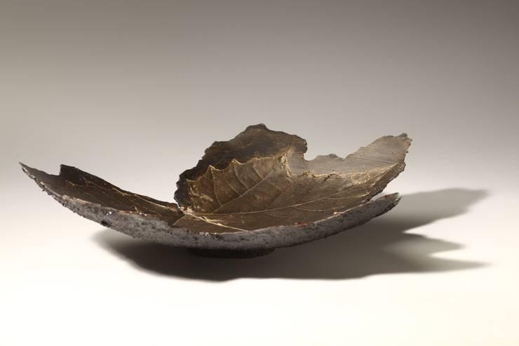 Platanus plate: Trash & roses의  주방