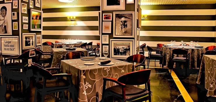 Restaurante María: Locales gastronómicos de estilo  de BLAKINTERIORISMO,S.L.