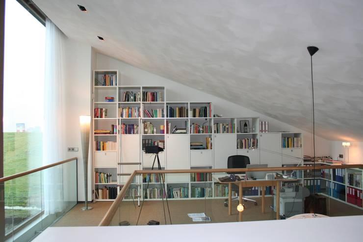Woonhuis Joosse:  Studeerkamer/kantoor door Groeneweg Van der Meijden Architecten