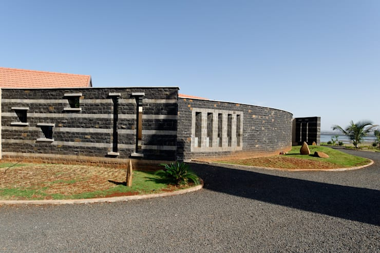 FARM HOUSE FOR MR. BAPAT BAGVE:   by ENVIRON PLANNERS
