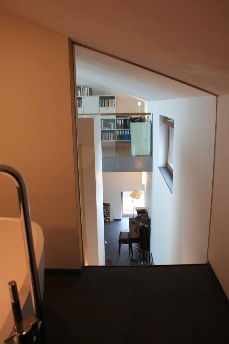 Woonhuis Joosse:  Slaapkamer door Groeneweg Van der Meijden Architecten, Modern