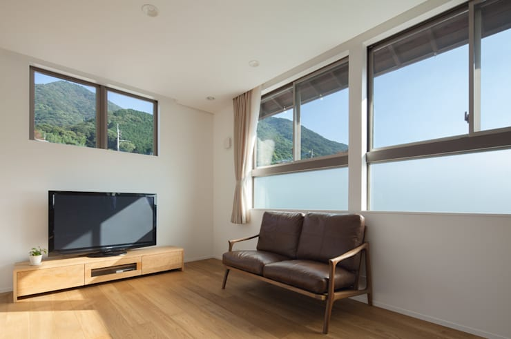 黒原の家: 由宇設計一級建築士事務所が手掛けたリビングです。,