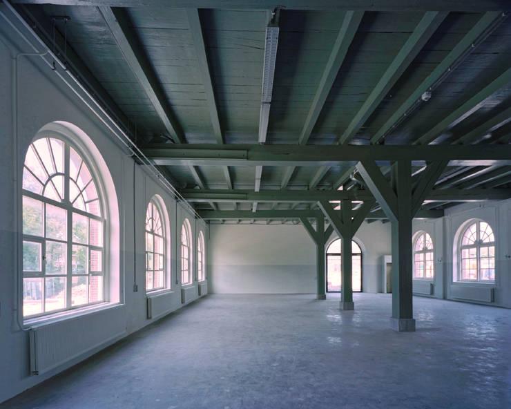 Herstelde standvinken:  Kantoor- & winkelruimten door Erik Knippers Architect
