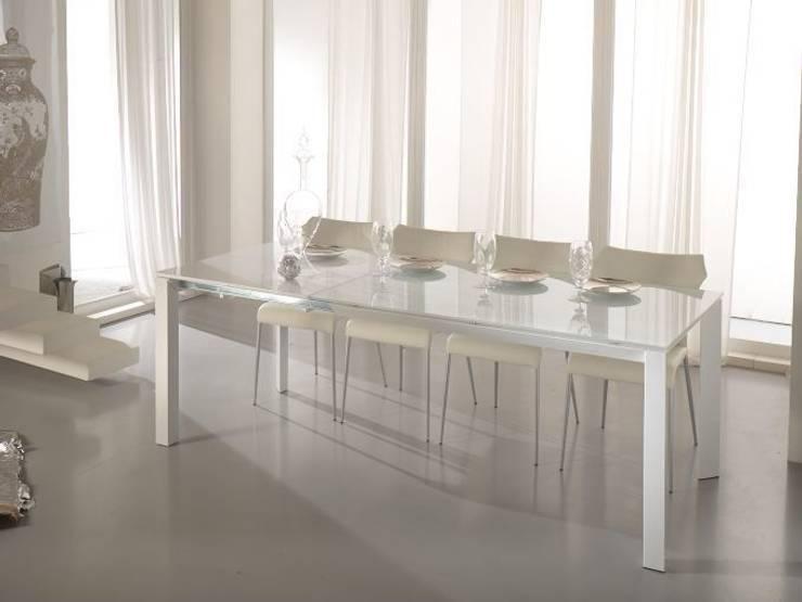 Omnibus: Sala da pranzo in stile in stile Moderno di Stones