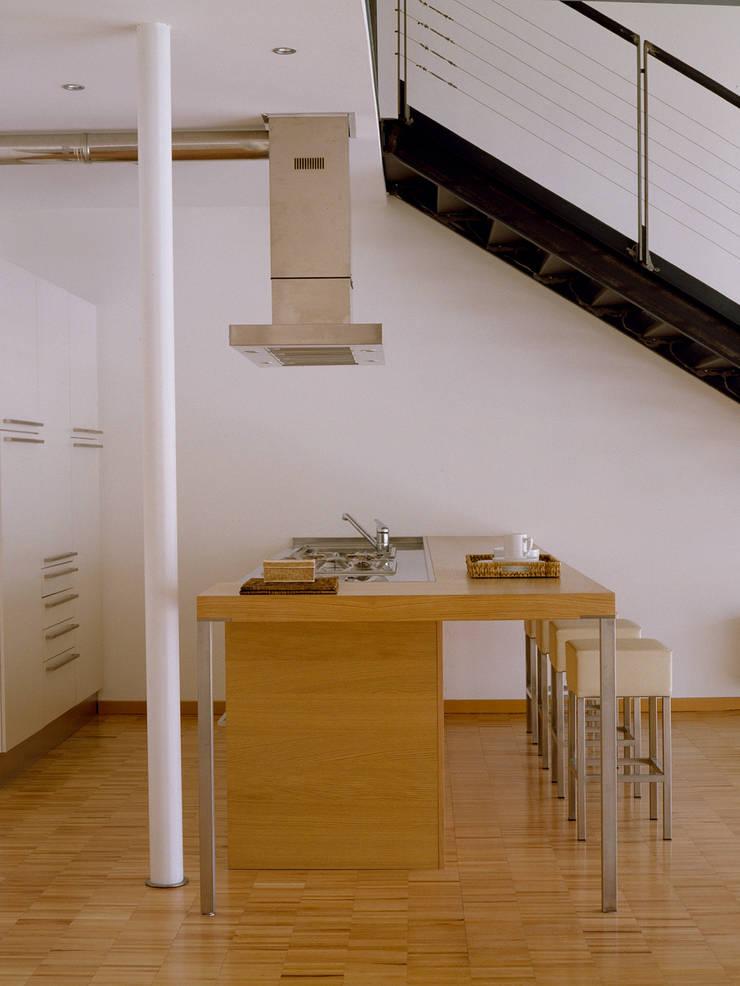 Industrial style kitchen by Paola Maré Interior Designer Industrial