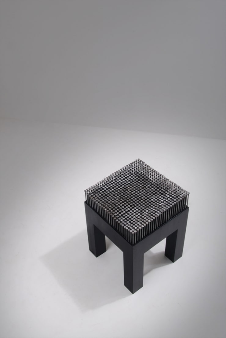 NAIL STOOL: Woodstudio MAUM의  거실