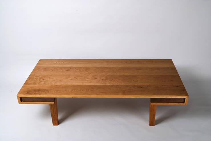 CHERRY LOW TABLE: Woodstudio MAUM의  서재/사무실