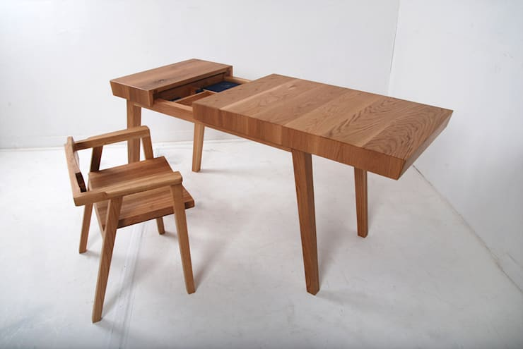 DESK SET: Woodstudio MAUM의  아이 방