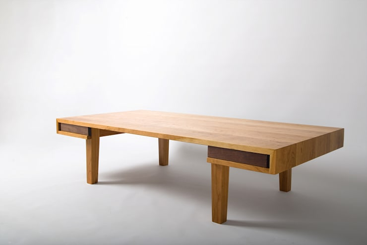 CHERRY LOW TABLE: Woodstudio MAUM의 현대 ,모던