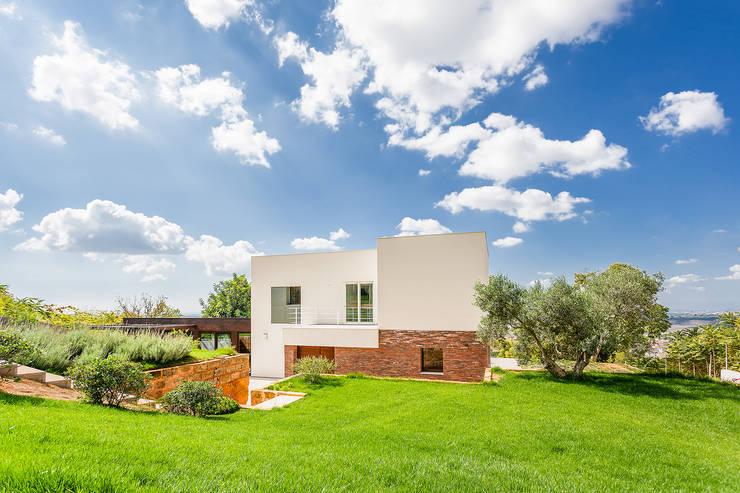 Projekty, nowoczesne Domy zaprojektowane przez Studio 4e