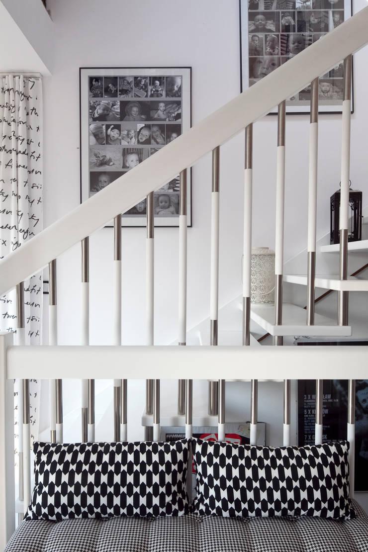 wnętrza: styl , w kategorii Korytarz, przedpokój zaprojektowany przez PIANZU