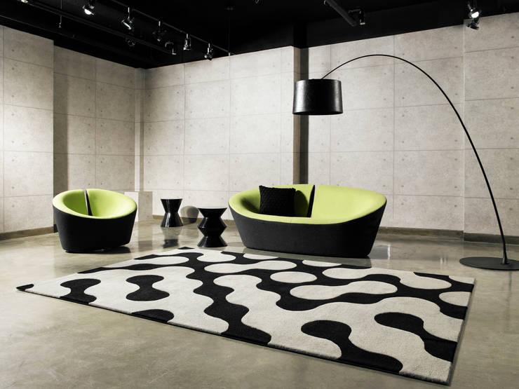[디자인카페트,모던인테리어,옵티컬패턴] GEO: CAURA CARPET의  벽 & 바닥