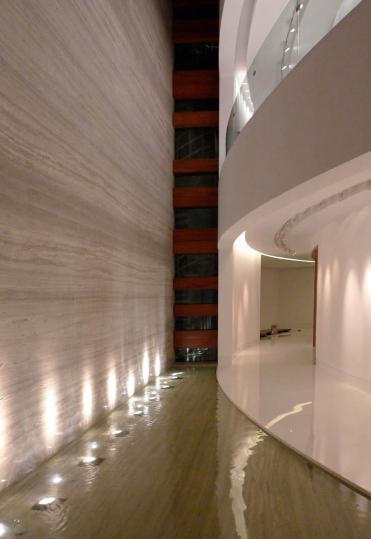 Art House, New Delhi. India :  Corridor & hallway by Morphogenesis