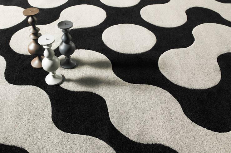 Walls & flooring by CAURA CARPET