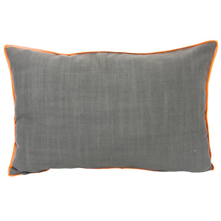 a cushion: styl , w kategorii Sypialnia zaprojektowany przez Gie El Home