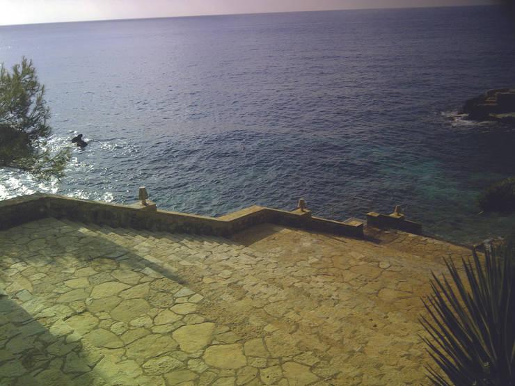 Villa Privata Antibes: Case in stile  di Lam32 srl ideas becoming light