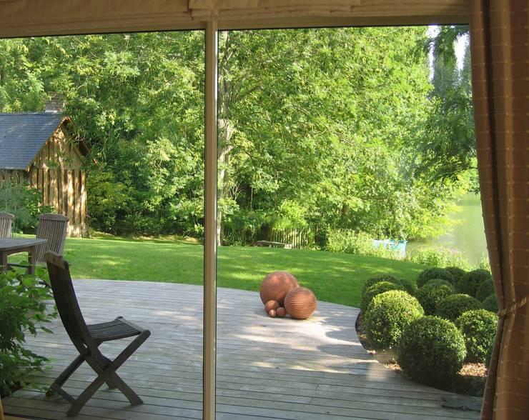 Jardines de estilo  por ZENOBIA Atelier de Paysage et d'Urbanisme