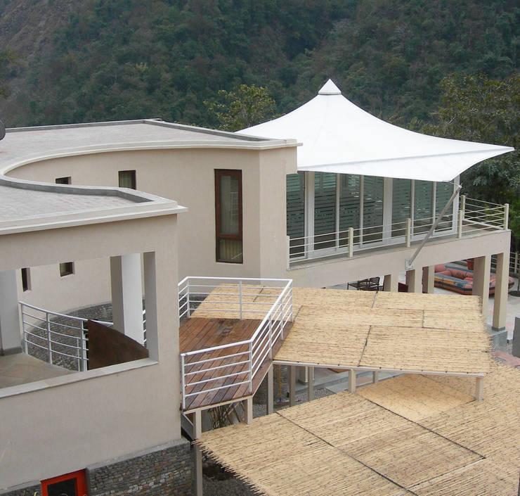 ATALI—GANGA:  Commercial Spaces by RLDA Studio