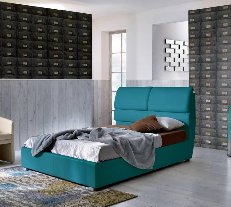 Relax letti: Camera da letto in stile  di Stones