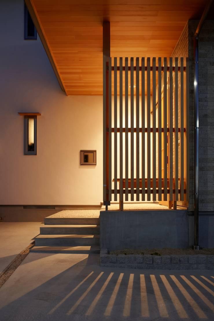 翠を望む家: ATELIER TAMAが手掛けた家です。,オリジナル