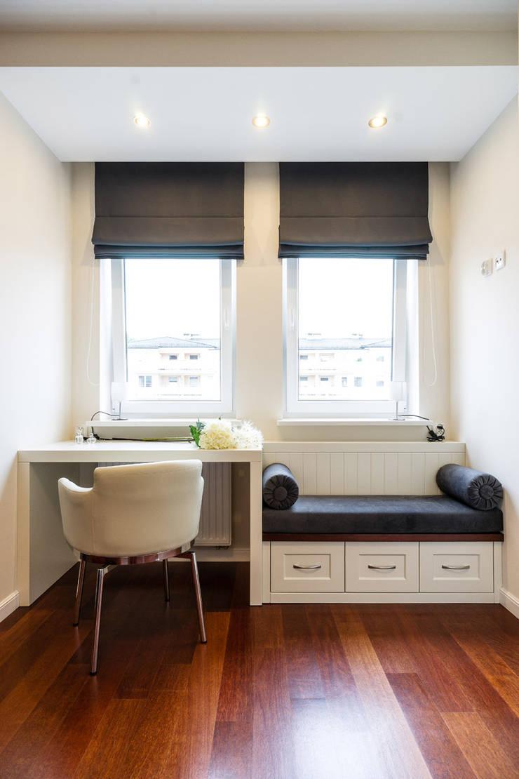 Pokój gościnny: styl , w kategorii Domowe biuro i gabinet zaprojektowany przez Agnieszka Makowska