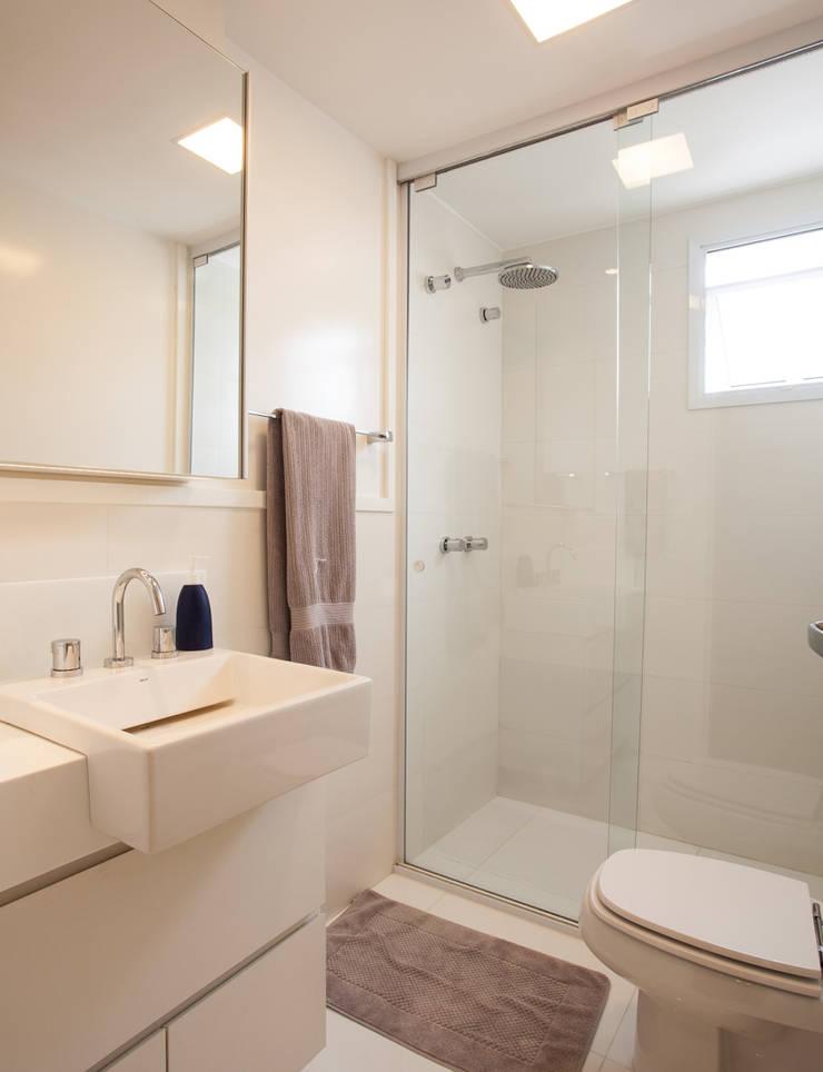 Banheiro 03: Sala de estar  por Andréa Gonzaga