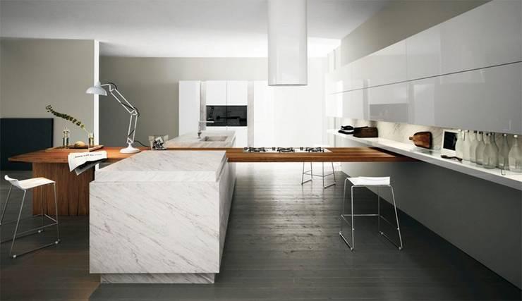 Cucine: Cucina in stile  di Marmi di Carrara